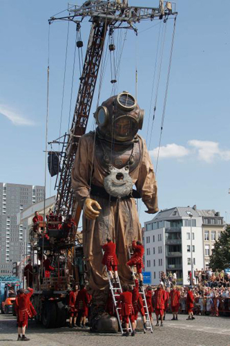 Royal de Luxe - Deep-Sea Diver