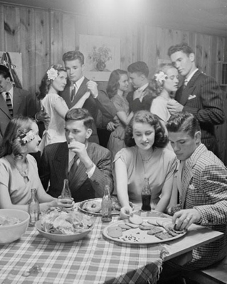Nina Leen - Teenagers at a party, Tulsa, OK, 1947