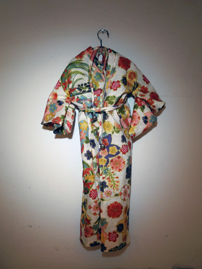 Josiane Keller - Molly's Japanese kimono with floral design