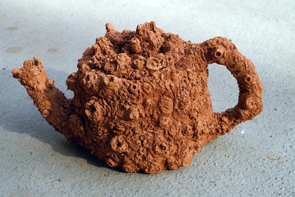 Josiane Keller - gnarly tea pot 2 - air dry