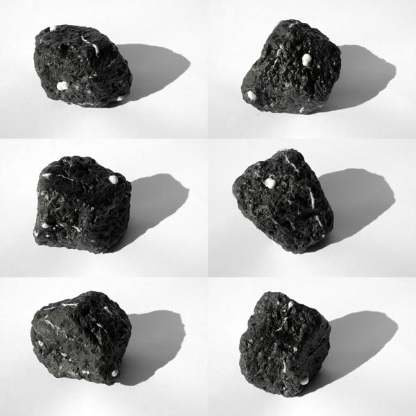Josiane Keller - wet black stone - six times
